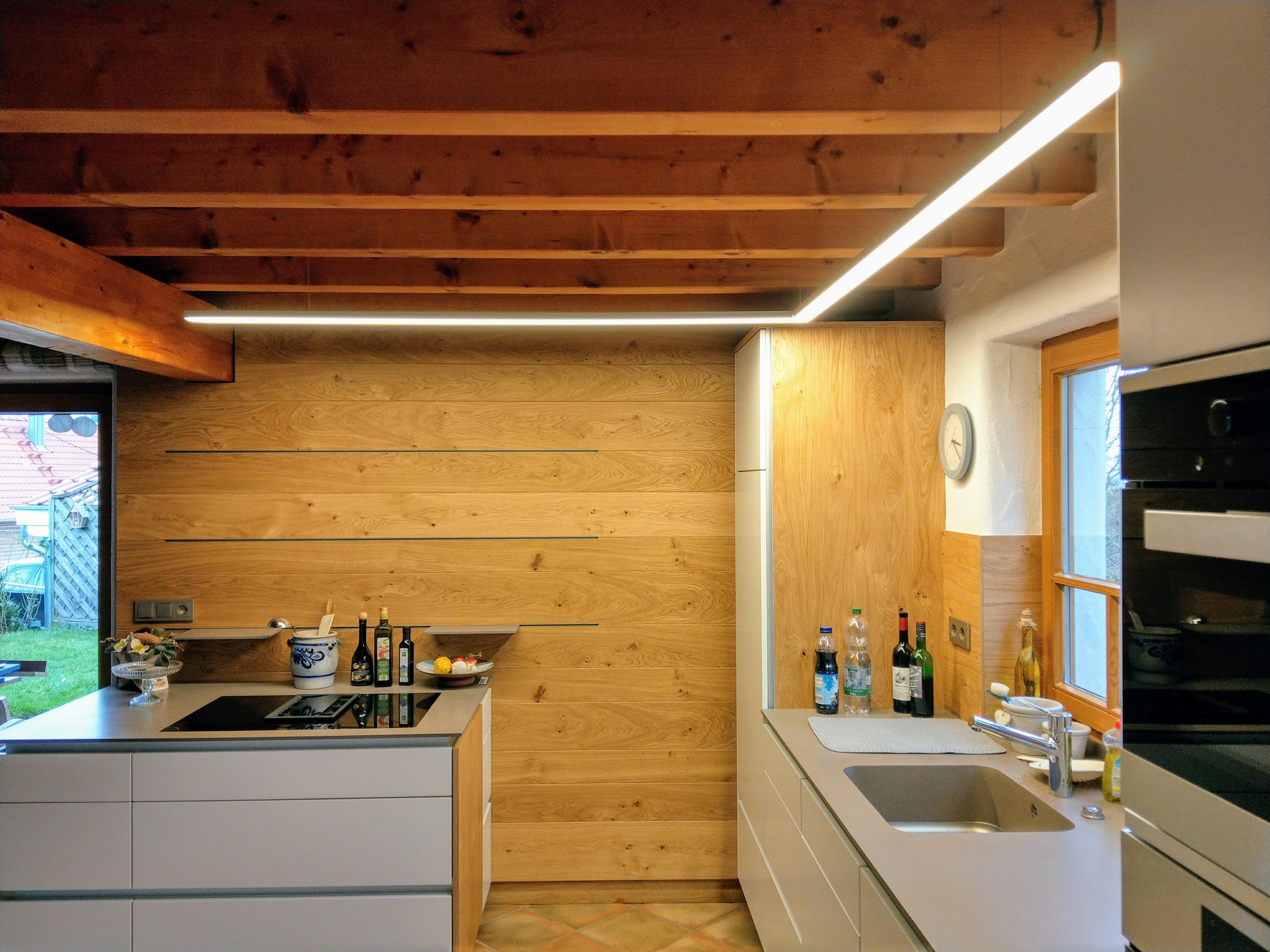 Moderne Küchenbeleuchtung - Referenzgalerien - Elektro Service Huber ...
